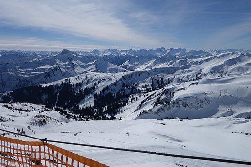Skiing, Damüls, Austria