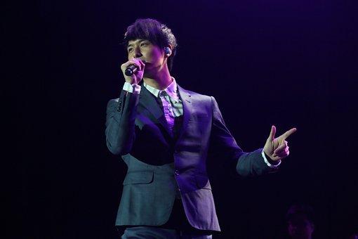 Yen-j, Taiwan, Singer, Jazz Pop, I Believe, Concert