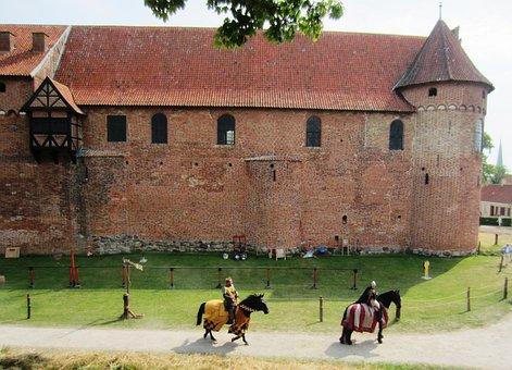 Nyborg Castle, Castle, Knight