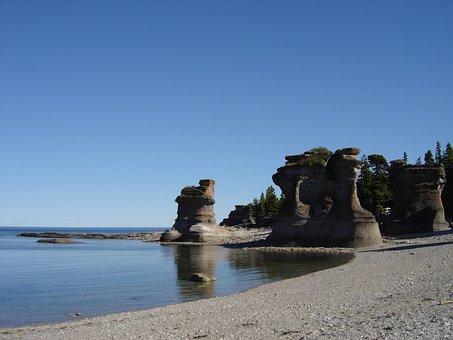 Mingan, Côte-nord, Canada, Calm, Ocean, Sea