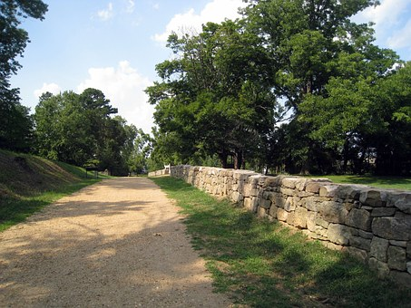 Sunken Road, Fredericksburg, Virginia, Gravel