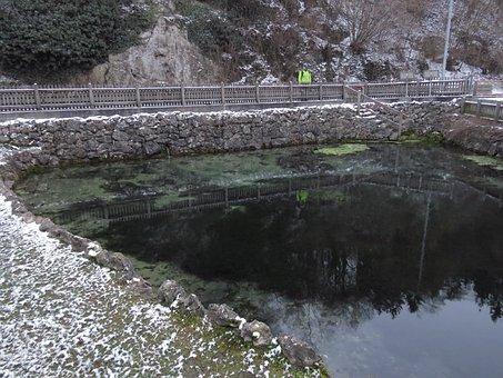 Source, Spring, Karst Spring, Huerbtopf, Hürben, Water