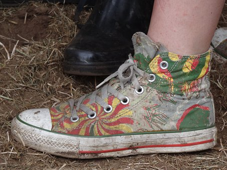 Shoe, Sneaker, Dirt, Foot, Clothing, Shoes, Run, Hiking