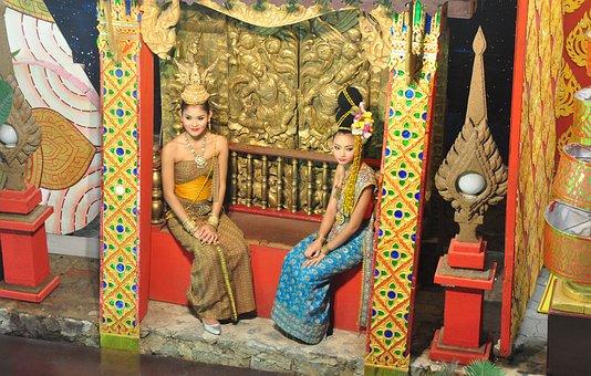 Thai Girls, Thai House, Thai Show, Thai Decoration