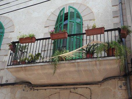 Balcony, Mediterranean, Gull Wing Doors, Facade, Detail