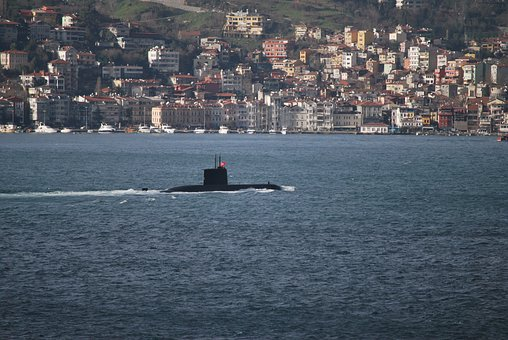 Turkey, Istanbul, Bosphorus, U Boat, çengelköy
