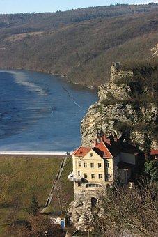Rock Villa, Kramer's Villa, Znojmo Dam