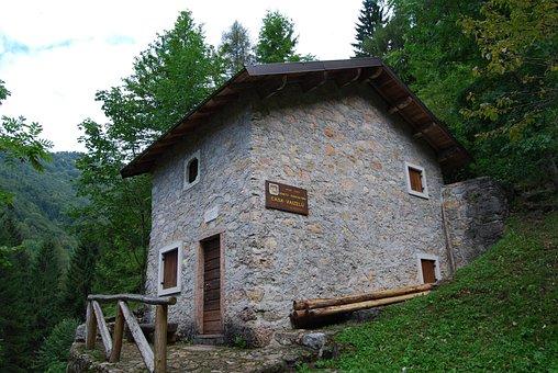 Refuge, Home Vaizelu, Mountain, House, Forest