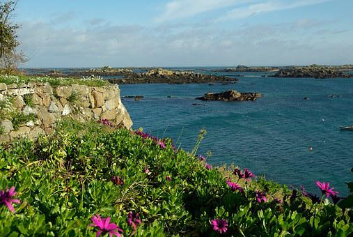 France, Normandy, Chausey Islands, Rocks