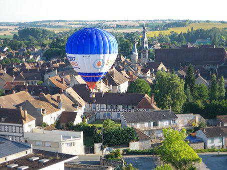 Hot-air Ballooning, City, St Pourçain On Sioule, Ball