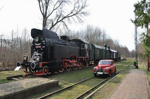 The Queue, Train, Drezyna, Railway Station, Białowieża