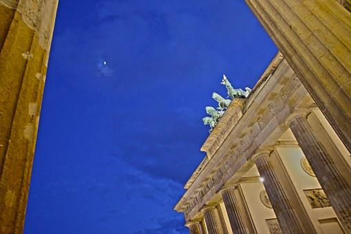 Brandenburg Gate, Berlin, Quadriga, Landmark, Building