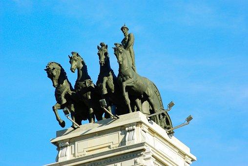 Spain, Madrid, Gran Via, Statues, Bronze, Quadriga