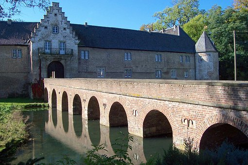 Schloss Hulchraith, Grevenbroich, Germany, Castle