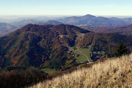 Slovakia, Strážov Mountains, Fačkov, Mountains, Autumn
