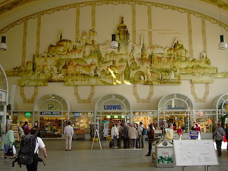 Railway Station, Dresden, Neustadt, Hall