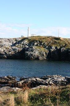 Lighthouse, Port Aux Basques, Newfoundland, Rocks