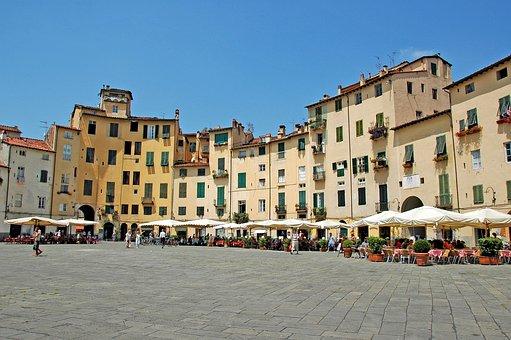 Piazza Anfiteatro Lucca, Lucca, Amphitheatre, Piazza