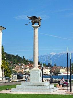 Salo, Garda, Italy, Markus Löwe, Statue