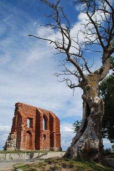 Trzęsacz, Church, The Ruins Of The