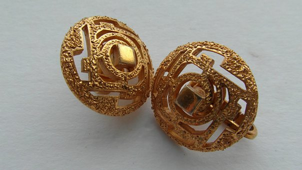 Vintage Gold Earrings, Vintage Gold Jewellery