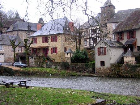 River Frontage, Medieval Houses, France, Riverside