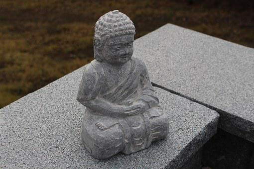 Steinbuddha, Stone Wall, Top