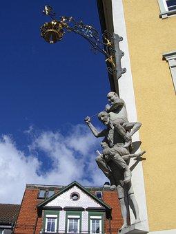 Gasthof Crown, Ravensburger Kids Market, Sculpture