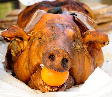 Montecarlo, Market, Animals