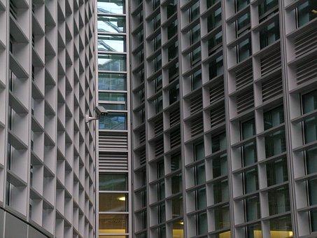 Regione Lombardia, Milan, Piazza Veneto, Architecture