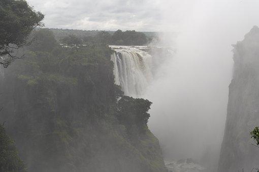 Victoria Falls, Spray, Travel