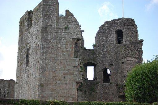 Raglan, Castle Ruin, Monmouthshire