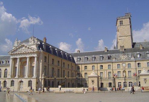Dijon, Palace, History