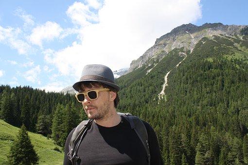Wanderer, Man, Tourist, Touri, Sunglasses, Holiday