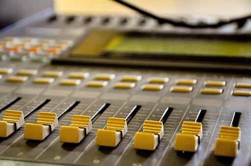 Radio, Estudio, Recording