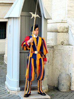 Swiss Guard, Vatican, St Peter's Square, Soldier