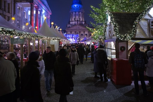 Berlin, Christmas Market, Visitors, Stalls Lights