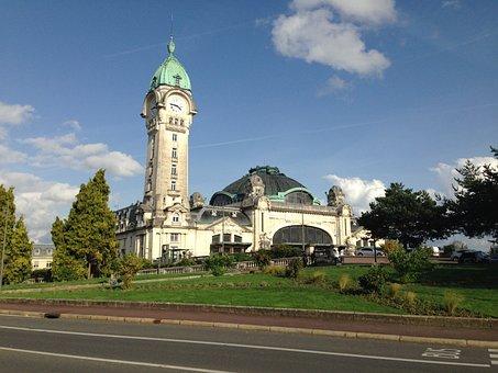 Station, Limoges, Day