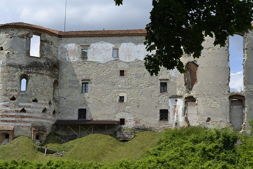 Castle, Janowiec, The Ruins Of The