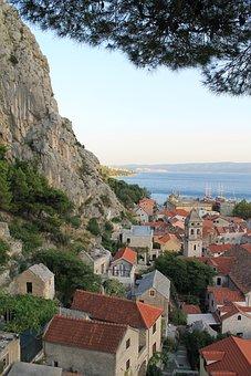 Croatia, Dalmatia, Omis