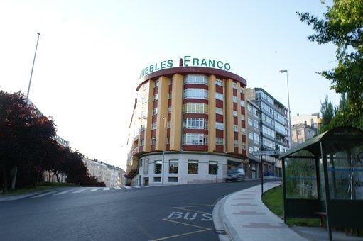 Round Building, Furniture Franco, Shop