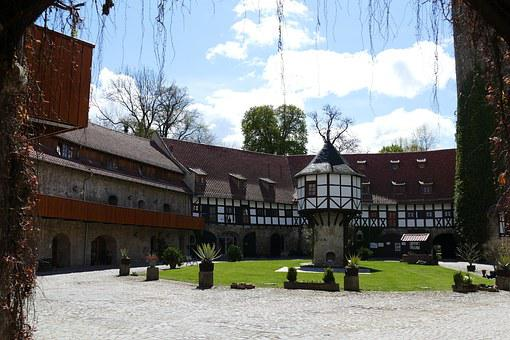 Westerburg, Huy, Courtyard, Pigeon Tower, Moated Castle
