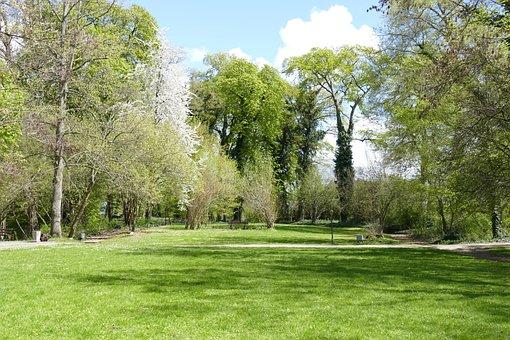 Westerburg, Huy, Castle Park, Moated Castle