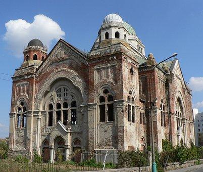 New Synagogue, Basket Case, History, Lučenec