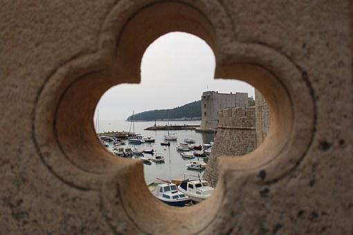 Summer Holiday, Balustrade, Hole, Port, Ships, Blurry