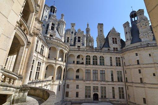 Chambord, Château De Chambord, Courtyard Of The Castle