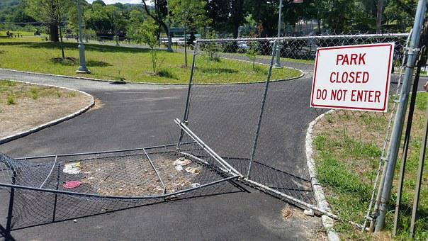 Park, Closed, Sign, Gate, Defiant, Rules