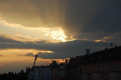 Berlin, Sun, Cloudburst, City