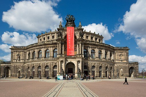 Semper Opera House, Dresden, Historically, Building