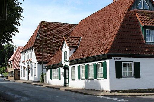Homes, Tellingstedt, Building